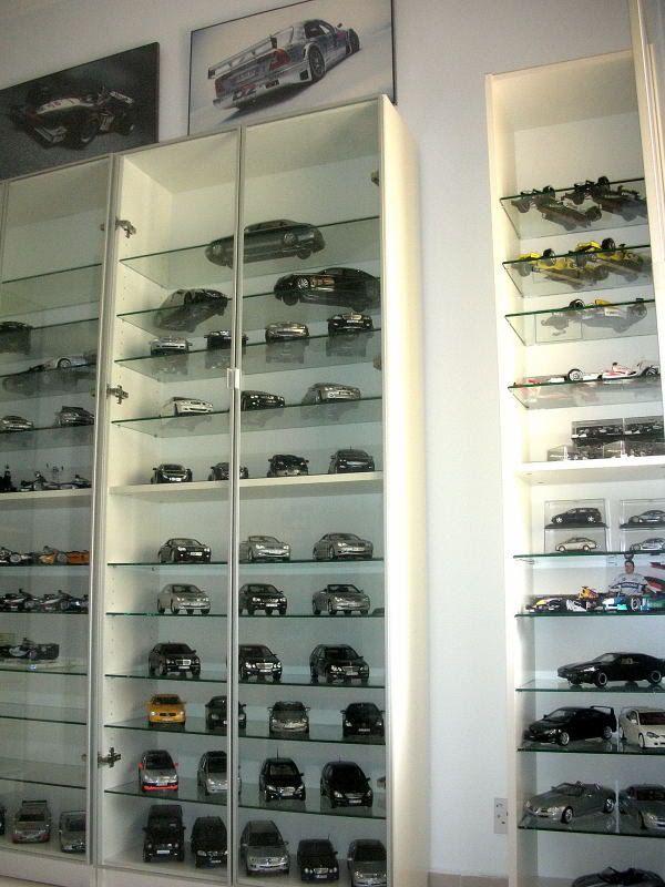 Vitrinas para exponer colecciones racks autos mood board - Vitrinas para miniaturas ...