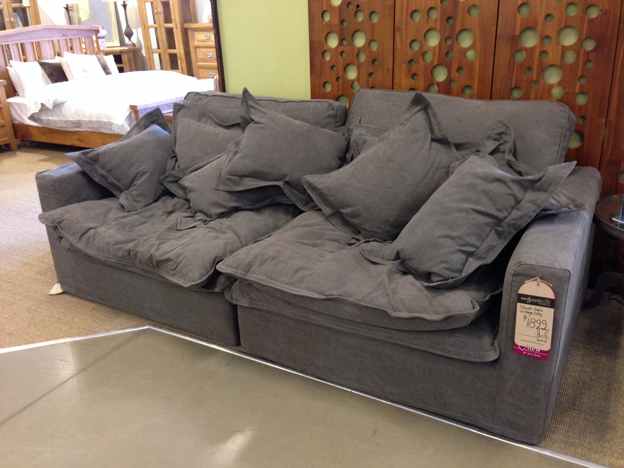 Slouch couch sofa bed refil sofa for Sofa bed jogja