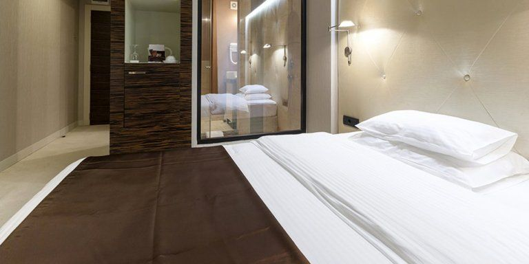 6 suites parentales aux salles de bains sublimes en 2020   Chambre parentale salle de bain ...