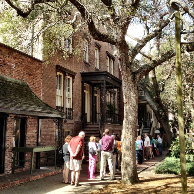 Mrs Wilkes Dining Room Savannah: Folks Lined Up Mrs. Wilkes Dining Room In Savannah