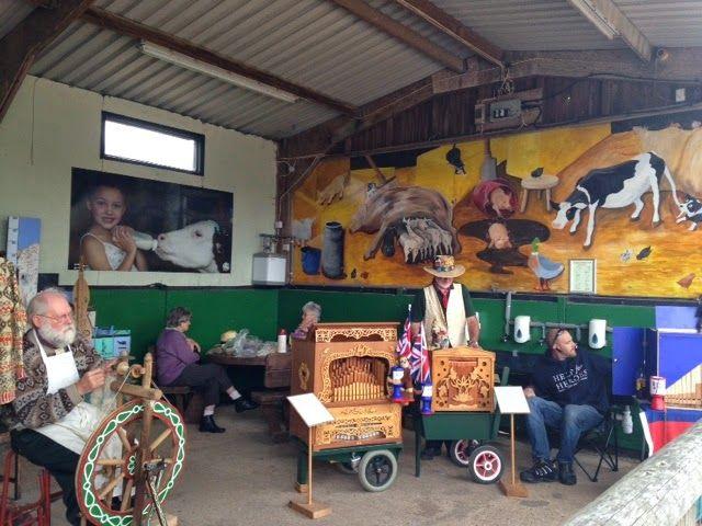 Bon Voyage Friends : Longdown Activity Farm #TravelTuesday fantastic family day out @LongdownFarm http://bonvoyagefriends.blogspot.com/2014/06/longdown-activity-farm.html