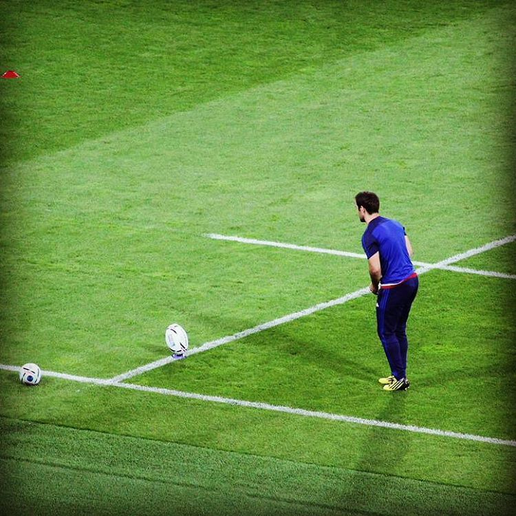 #XVdeFrance Morgan Parra prend ses marques avant le match ! #RWC2015 #FRAROU #worldcup #coupedumonde #rugby #rugbygram
