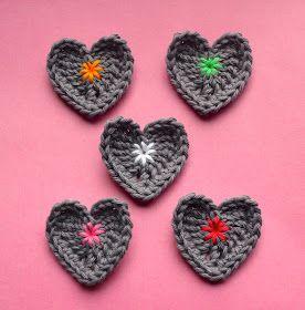 vicarno's mama: Hartjes haken : gratis haakpatroontje / crocheting little hearts : free crochet pattern