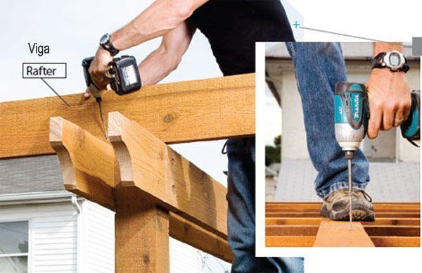 Construcci n de una p rgola de madera viguetas de atar - Construccion de pergolas de madera ...