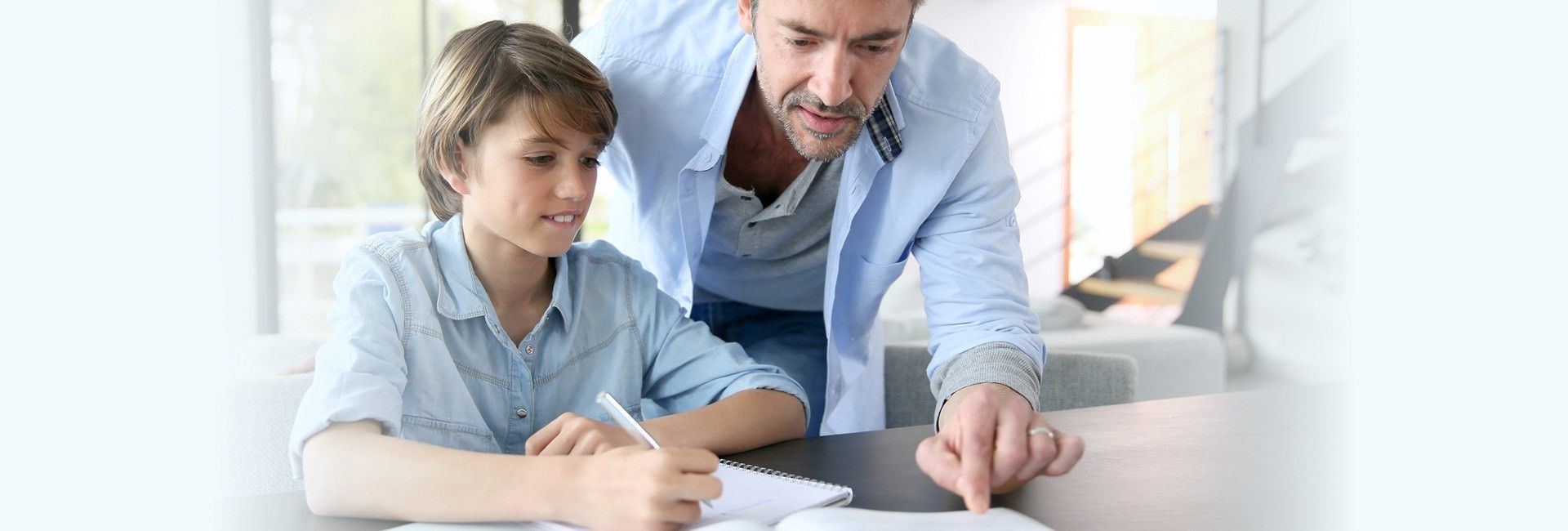 Plateforme regroupant de nombreux outils pour les parents qui accompagnent leurs enfants à travers leur parcours scolaire.
