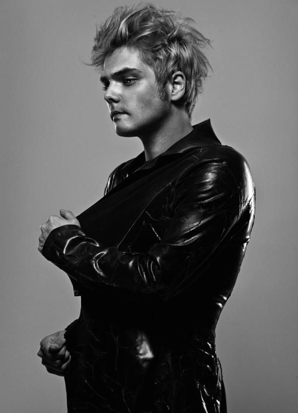 Gerard Way From My Chemical Romance Photographed By Allan Amato My Chemical Romance Gerard Way Mcr