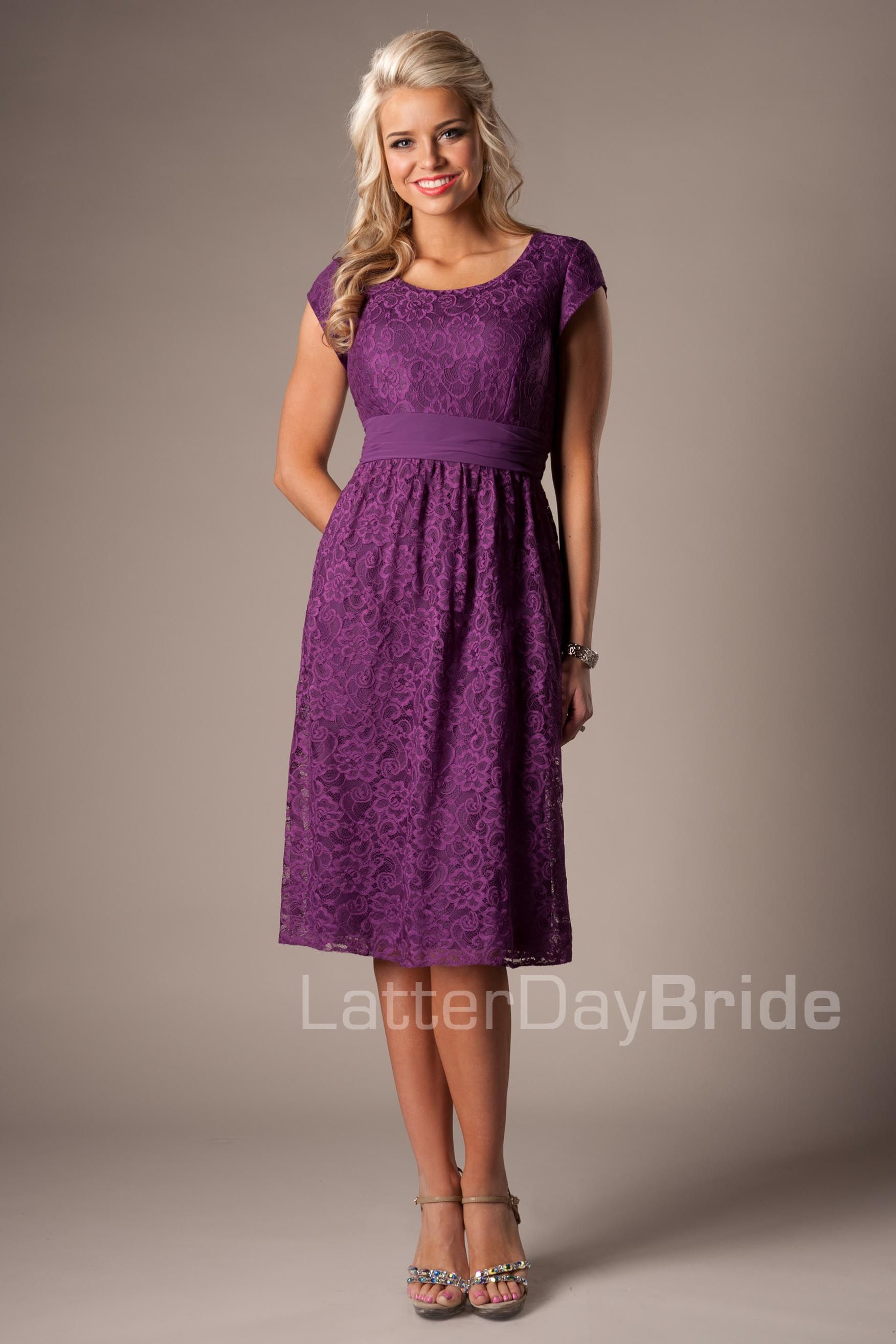 beautiful bridesmaid dress. I love the color and the lace ...