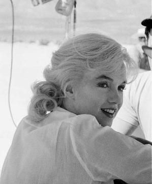Marilyn Monroe on the set of The Misfits, 1960. by marie