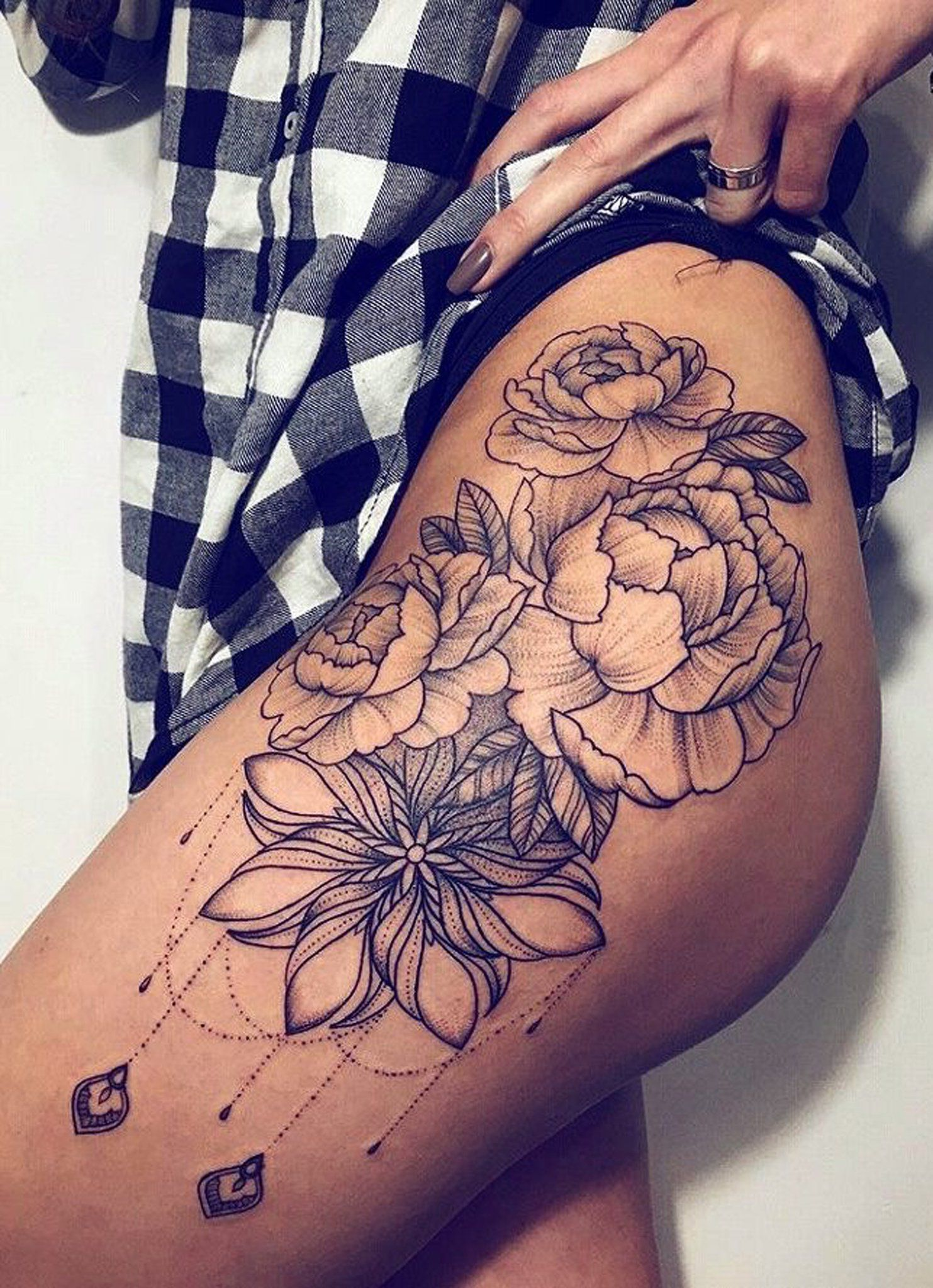 Photo of Black Chandelier Flower Hip Tattoo Ideas – Realistic Geometric Floral Rose Thigh…