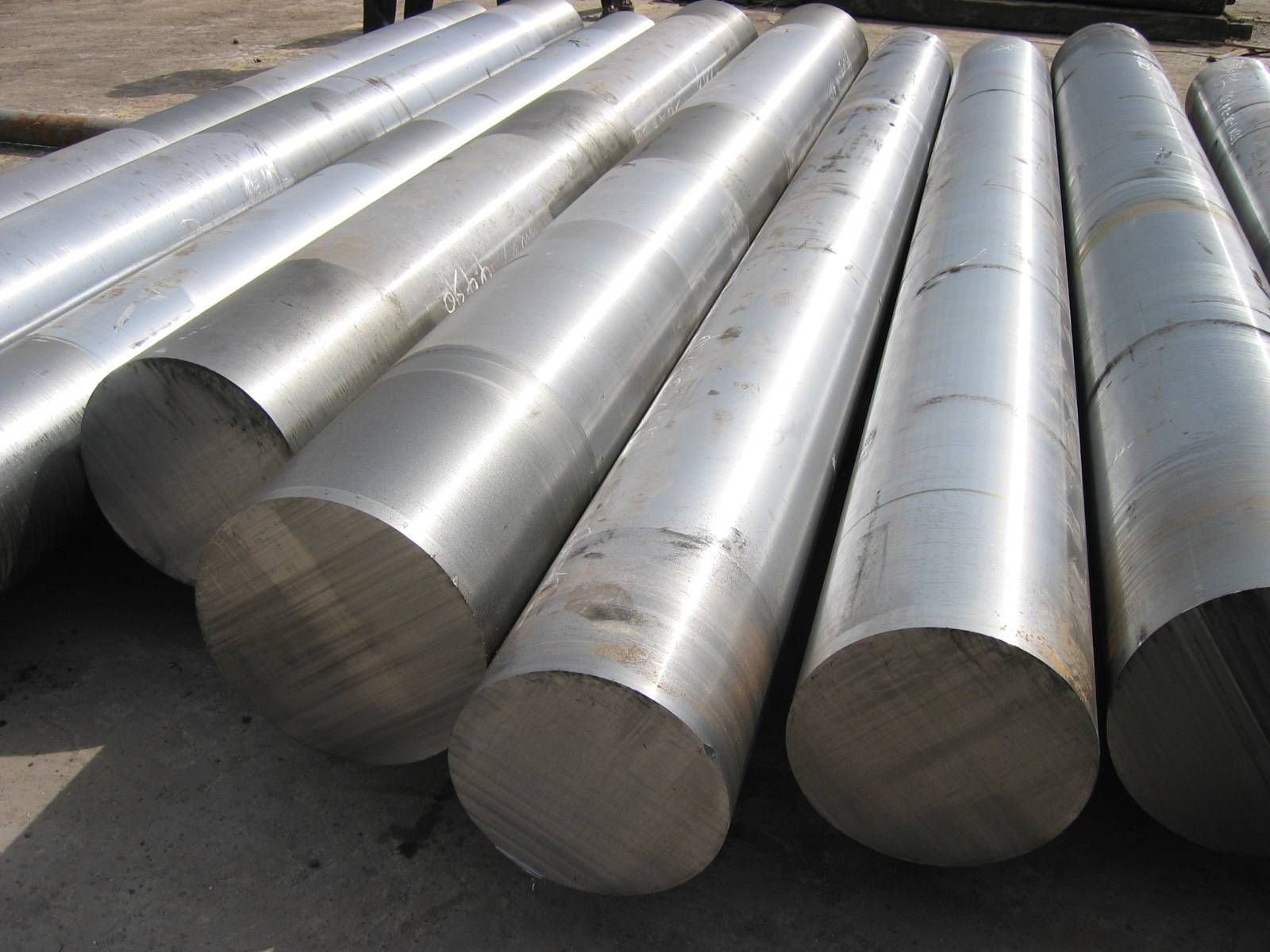 1060 Carbon Steel Guide Round Bar Stainless Steel 304 Metal Manufacturing
