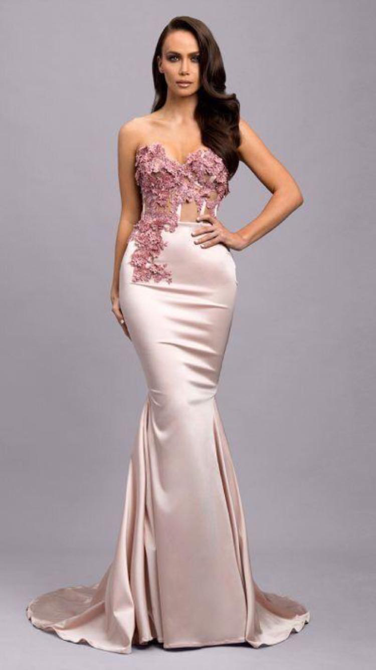 Pin By Susie Crabtree On Evening Dress Women Dresses Casual Summer Dresses Casual Summer Dresses [ 1334 x 750 Pixel ]