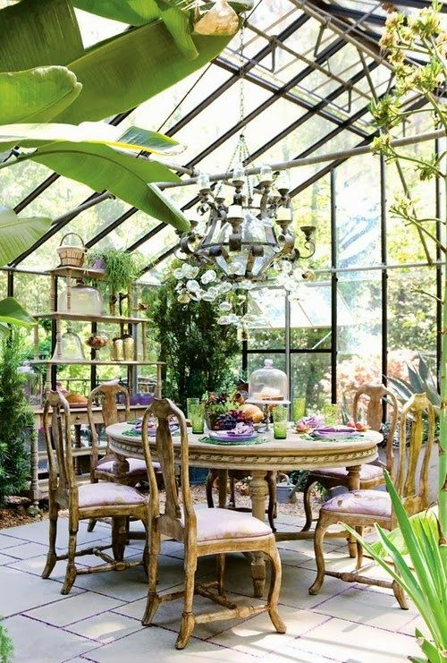 conservatory+2+via+charming+spaces+on+roses+and+rust+blogJPG (500