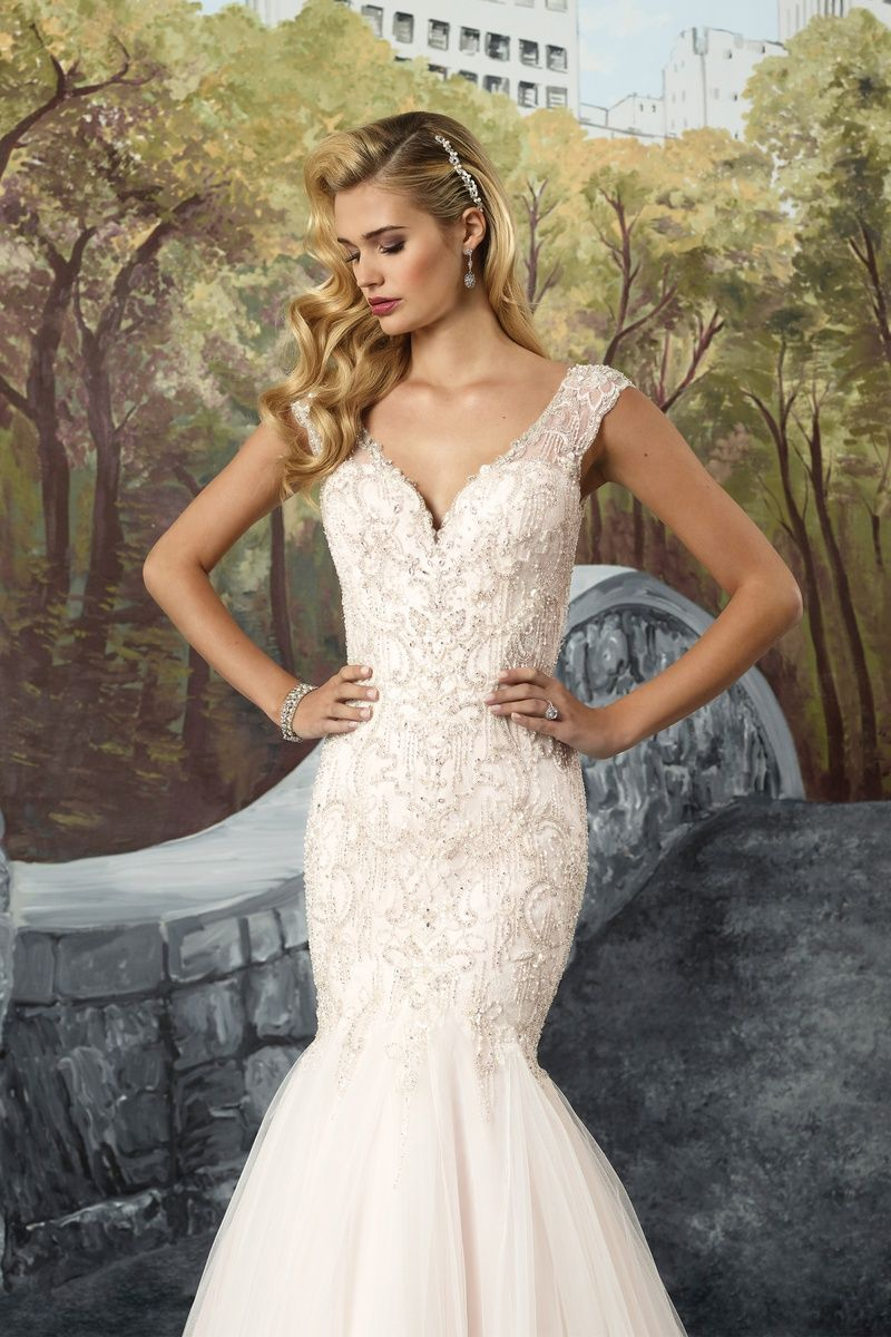 Fit and flare lace wedding dress  Justin Alexander Chantilly Lace and Tulle Fit and Flare Dress with