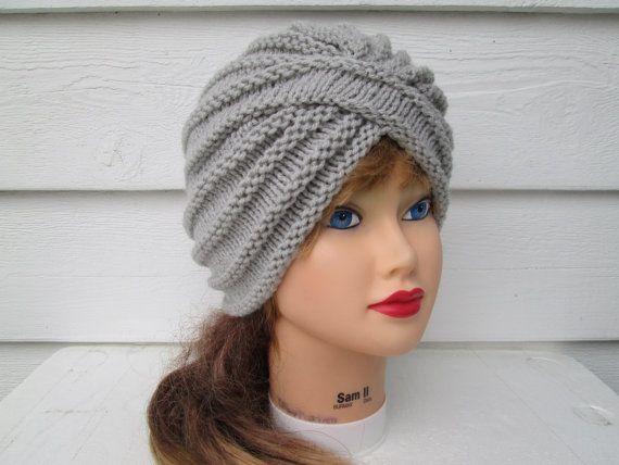 Artículos similares a Turbante de mujer de turbante gris moda ...