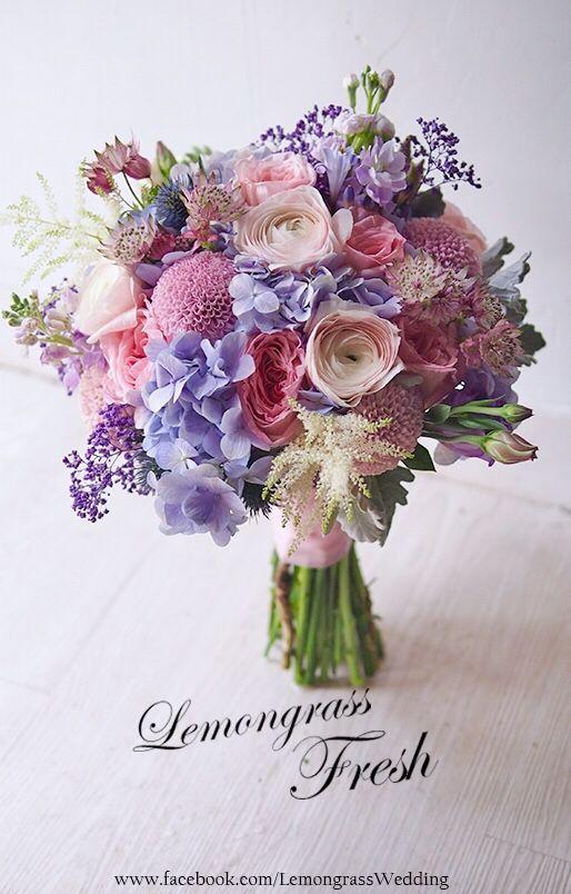 Romantyczne Bukiety Slubne Z Jaskrow Wedding Bouquets Flowers Bouquet Wedding Flowers