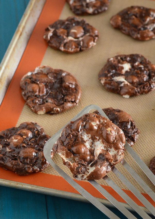 Flourless Chocolate Fudge Marshmallow Cookies | The Novice Chef