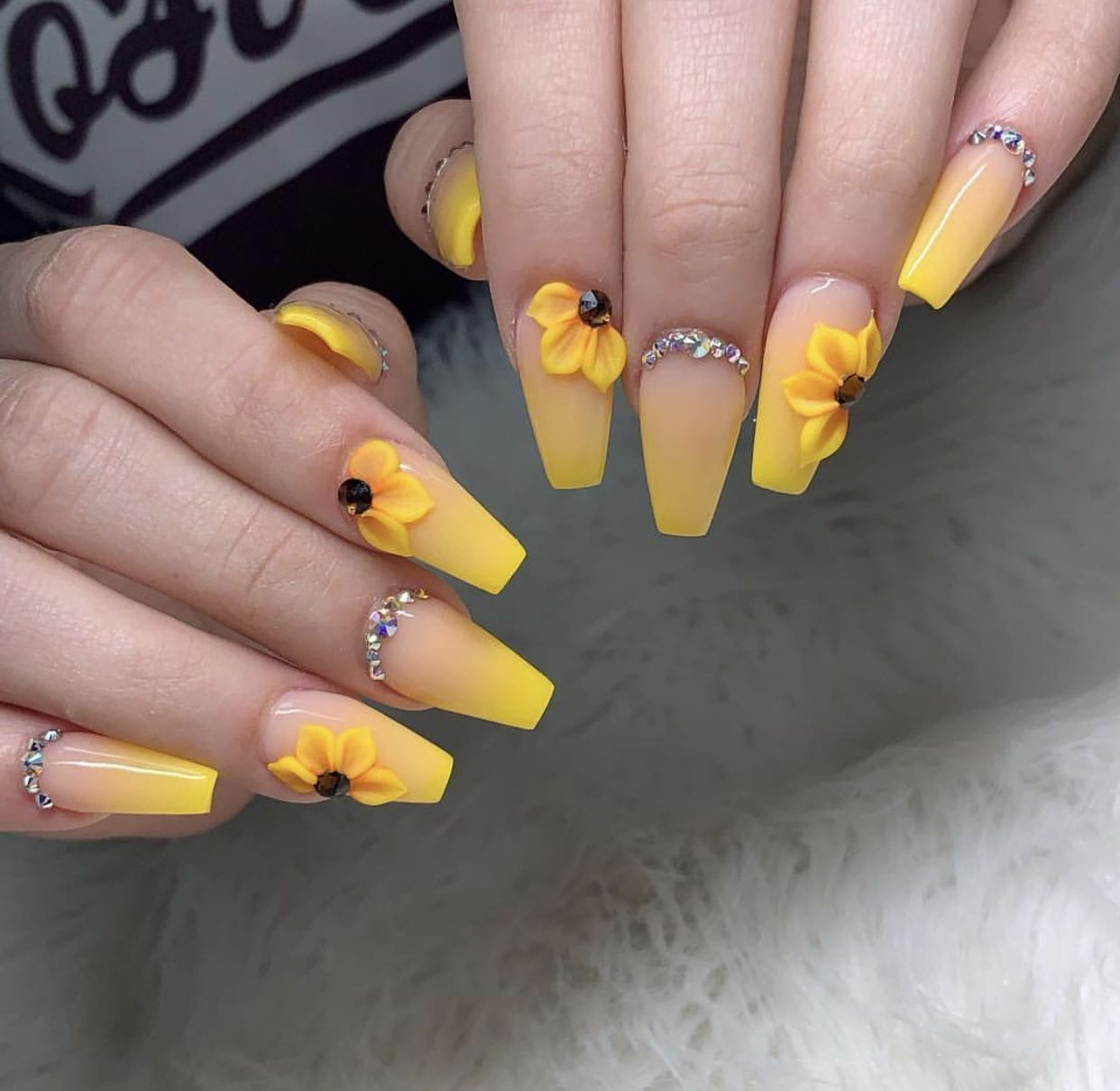 Ombre Sunflower Nails With Images Sunflower Nails Yellow Nail Art