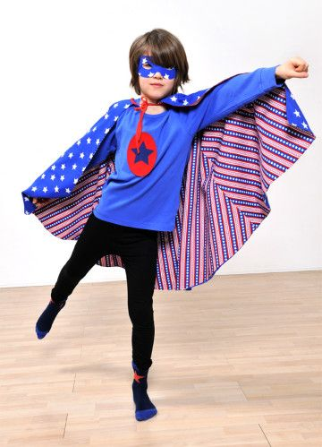 ma cape de super h ros r versible for the children deguisement enfant b b super h ros. Black Bedroom Furniture Sets. Home Design Ideas