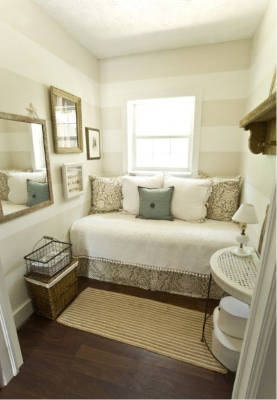 Small Bedroom Design Decorating With Country Style Jpg 571 824 Small Guest Bedroom Small Guest Rooms Guest Bedrooms