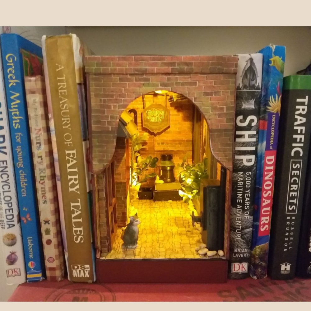 How To Make A Book Nook For Beginners With Bookshelf Insert Patterns Book Nooks Book Making Diy Dollhouse Furniture