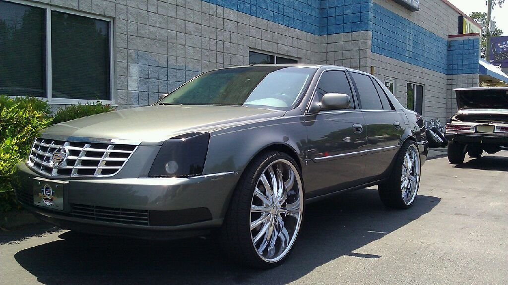 Deville On 24s 2010 Cadillac Dts On 26 Rims Caddy