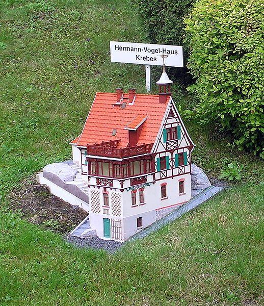 Miniatur-Schauanlage Klein-Vogtland in Adorf, Hermann-Vogel-Haus Krebes