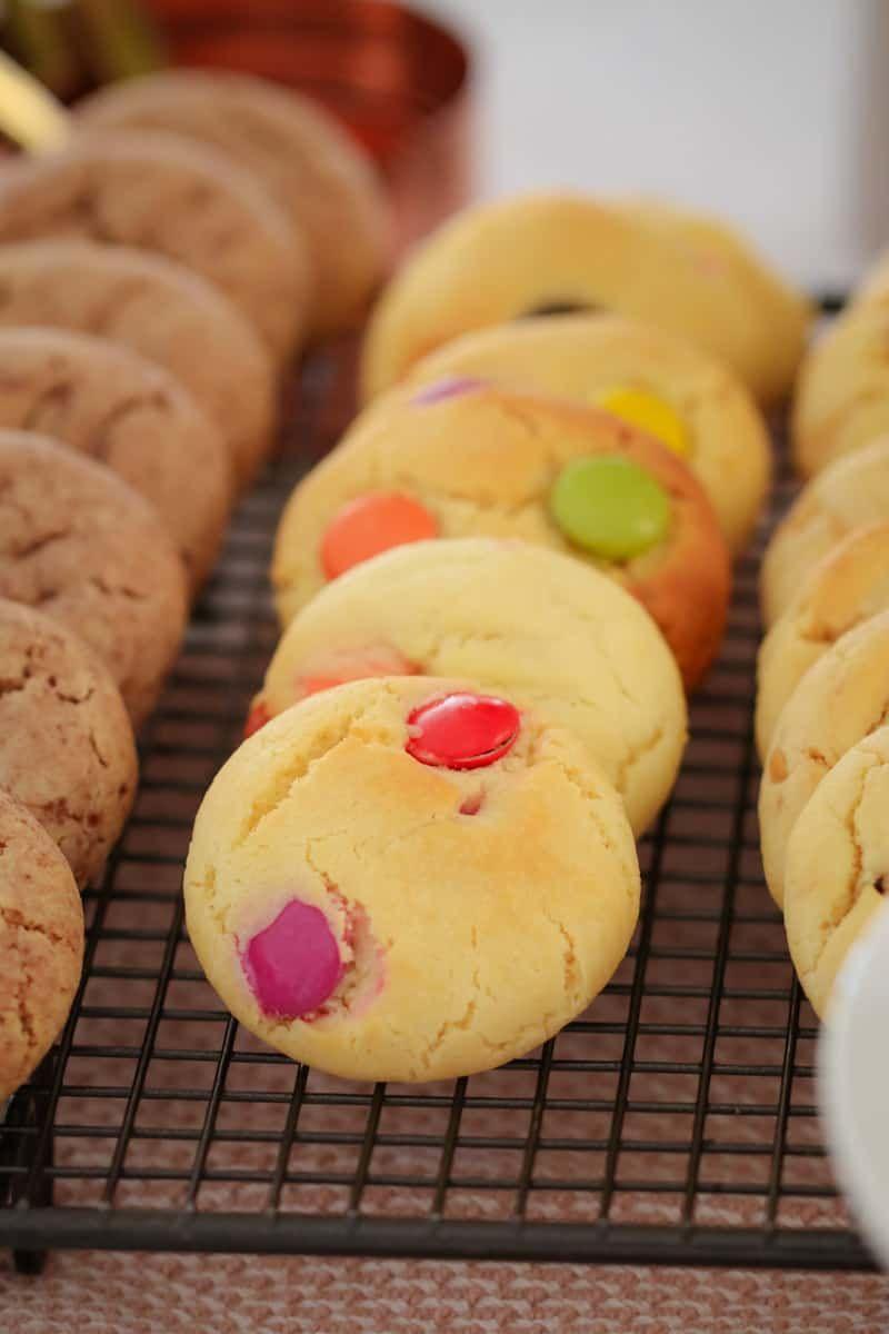 The Famous 100 Cookie Recipe Condensed Milk Cookies Recipe In 2020 100 Cookies Recipe Condensed Milk Cookies Cookie Recipes Condensed Milk