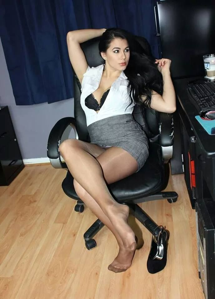 Hot Office Babes — Office Babe | Noshoestwo | Pinterest ...