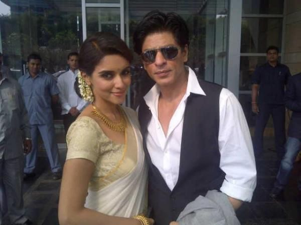 Shahrukh And Asin At Ritesh Genelia Wedding