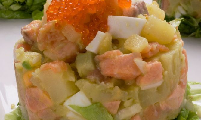 Receta De Ensaladilla De Patata Con Salmón Y Aguacate Karlos Arguiñano Receta Salmon Y Aguacate Recetas De Ensalada De Patata Ensalada De Patatas