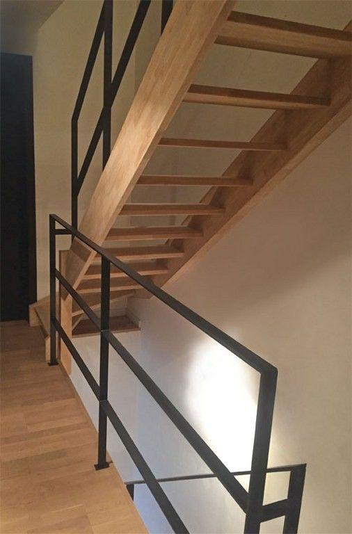 Borstwering en trapleuning in staal hal pinterest staal trappen en trap - Leuning smeedijzeren trap ...