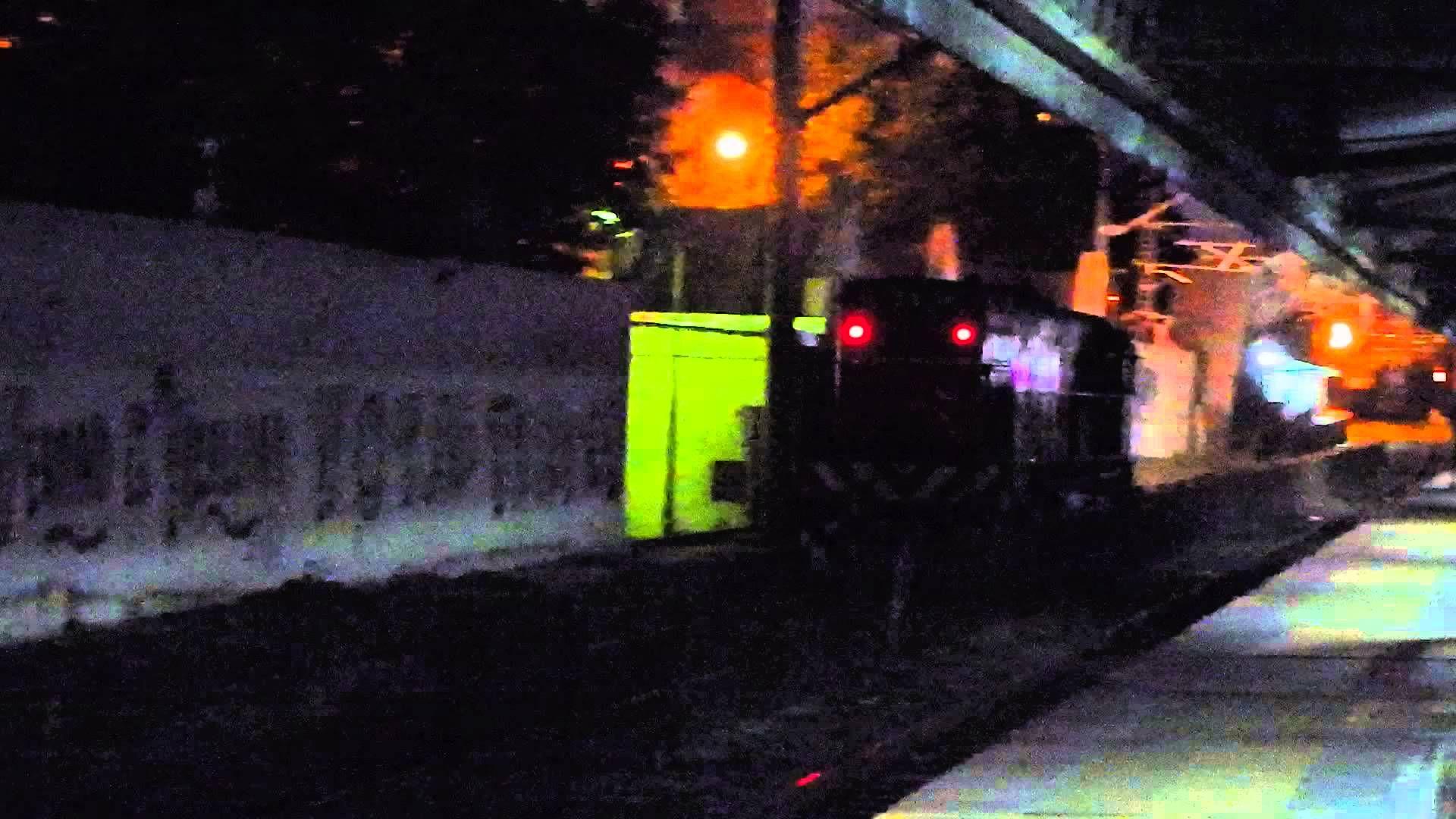 locomotora de ferrobaires por la estacion de lanus
