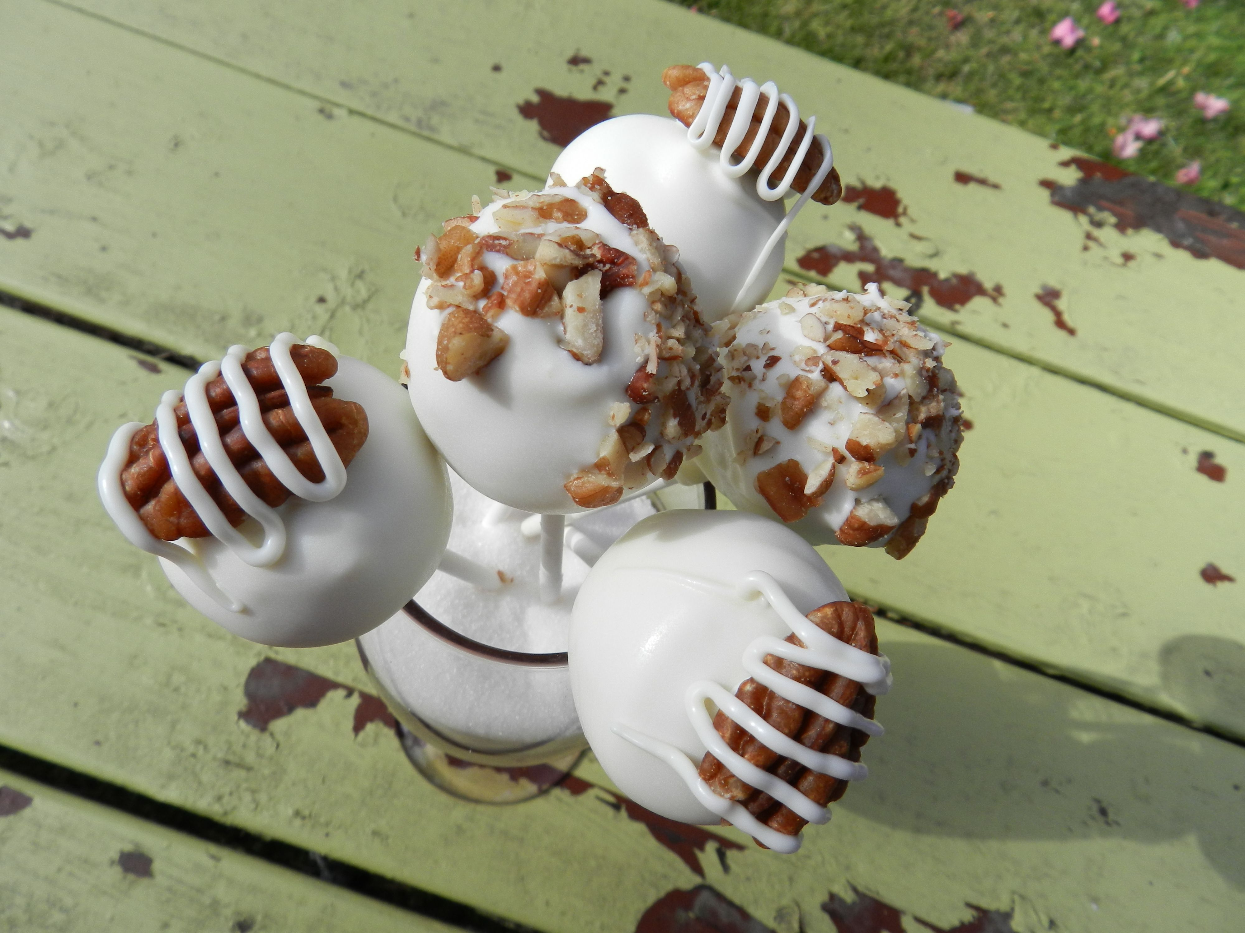 Butter Pecan Cake Pops Decorating Ideas