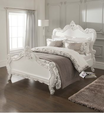 Antique French Style Bed in 2019 | French boudoir bedroom ...