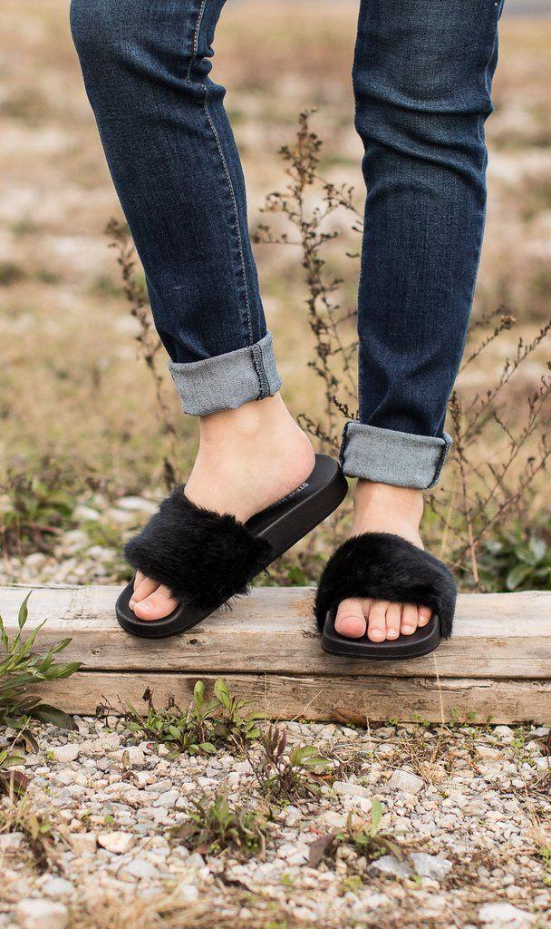 56f6194bc Steve Madden Softey Slides | shᎾᎬ ᏞᎾᏉᎬᏒ | Steve madden, Shoes ...