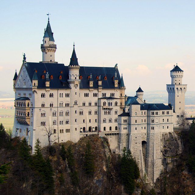 Neuschwanstein Castle In Germany The Inspiration For The Sleeping Beauty Castle In Disneyland Neuschwanstein Burgen Und Schlosser Urlaub