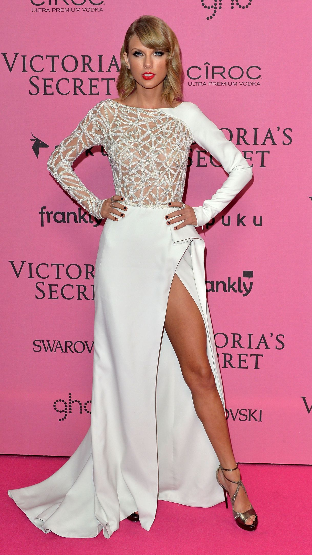 Look of the Day - December 3, 2014 - Taylor Swift in Zuhair Murad ...