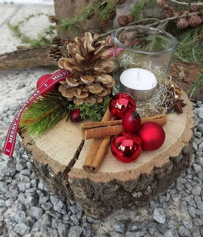 30 Eye Catching Diy Christmas Decorations And Crafts Remajacantik Make Your Home Warm And Happy And It S Time To Do Last Christmas Decorations And Christmas Decorations Christmas Decor Diy Christmas Centerpieces