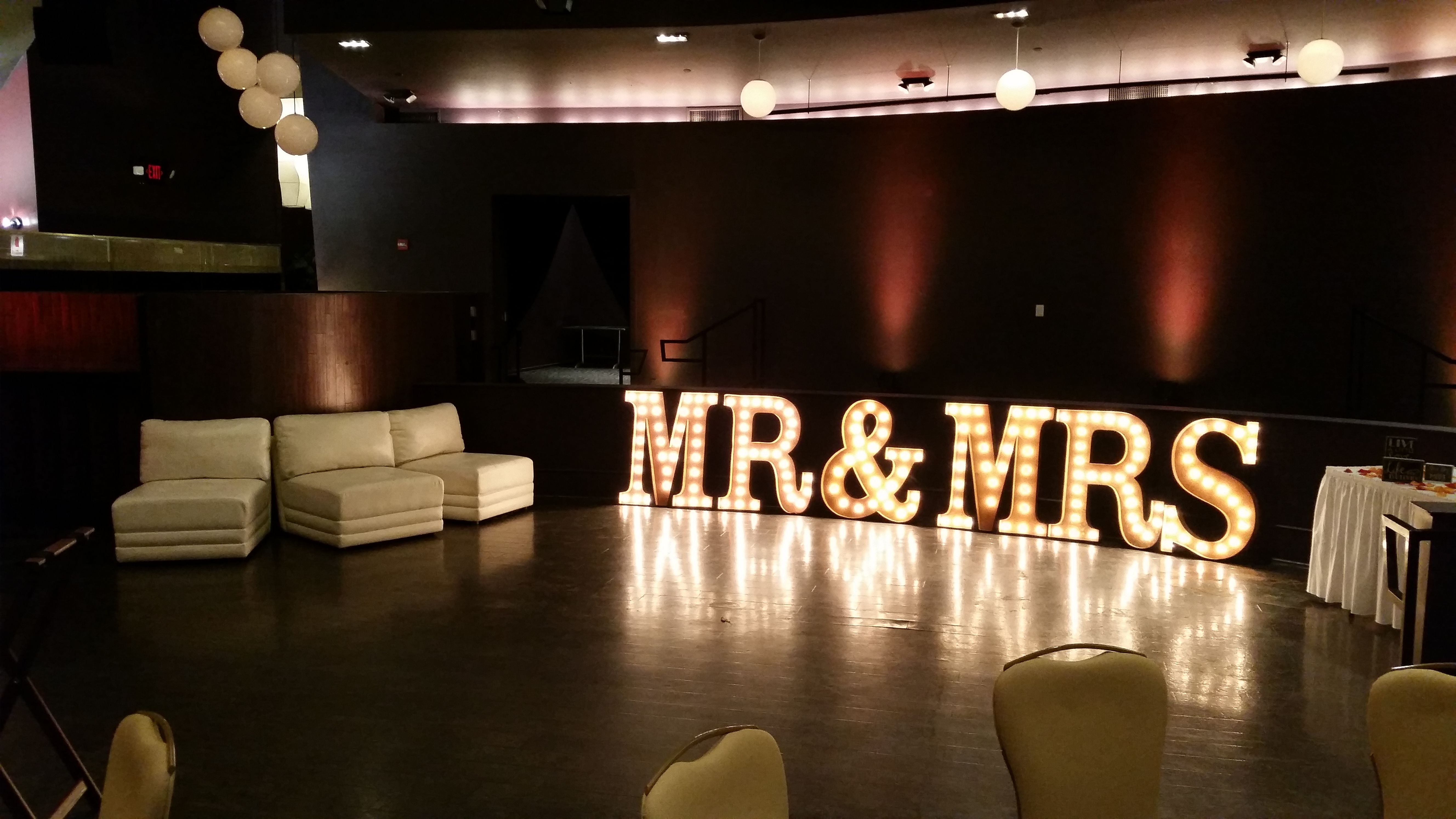 Marquee Letters Mr Amp Mrs 2 Marquee Letters Las Vegas