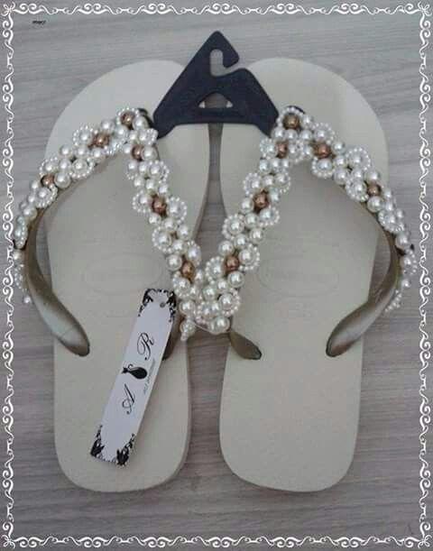 6fc130cdc Chinelo Havaiana Decorado com Pérolas | slippers | Chinelo havaiana ...