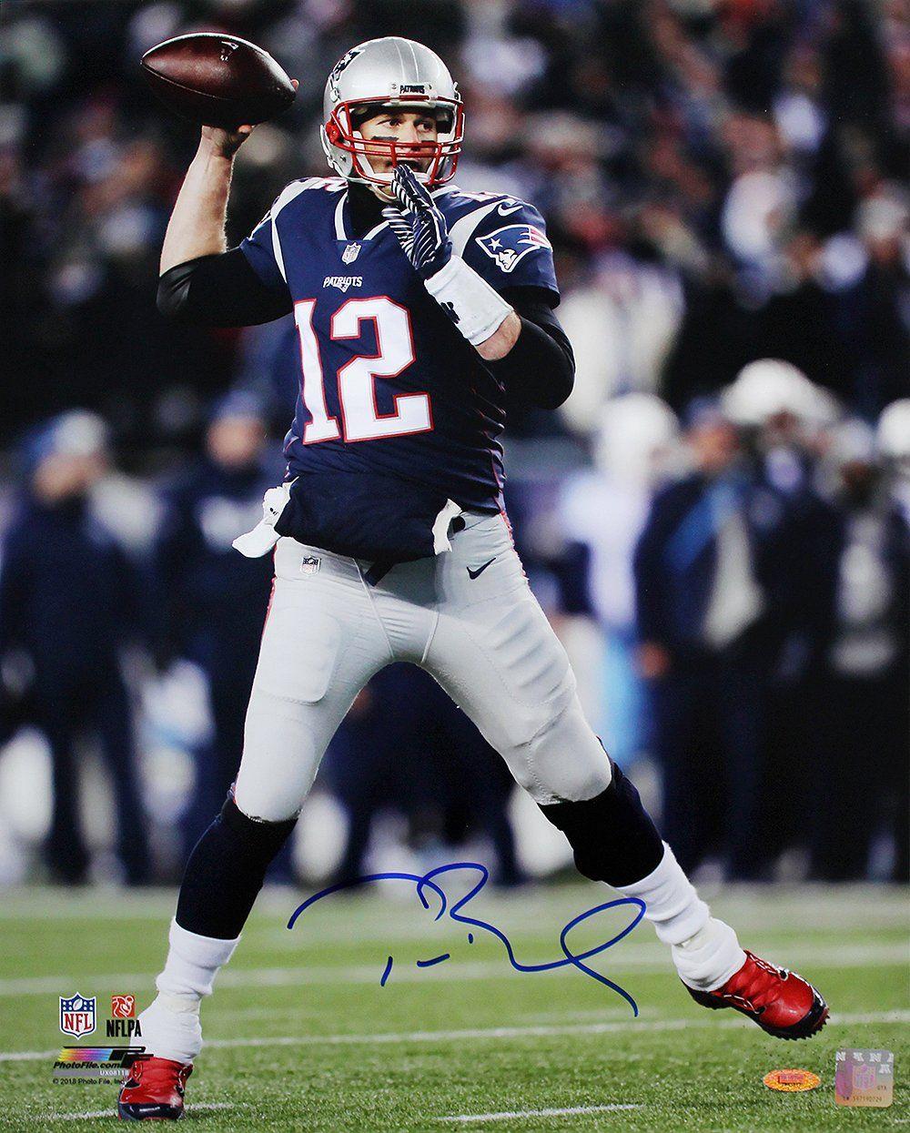Tom Brady New England Patriots Autographed 16x20 Nfl Football Action Tom Brady News New England Patriots Tom Brady