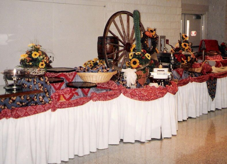 In Style Party Favors: Adult Western Themed Table Decorations