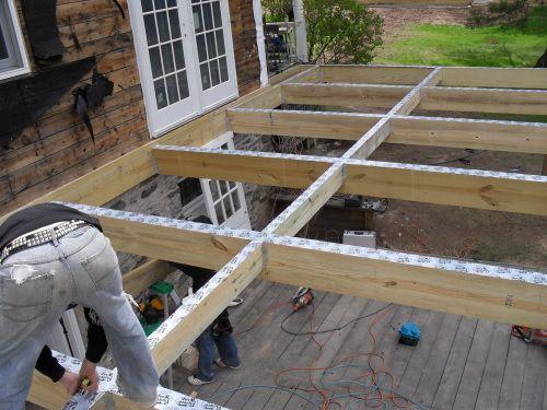 Construire terrasse en hauteur sur pilotis aménagement maison en