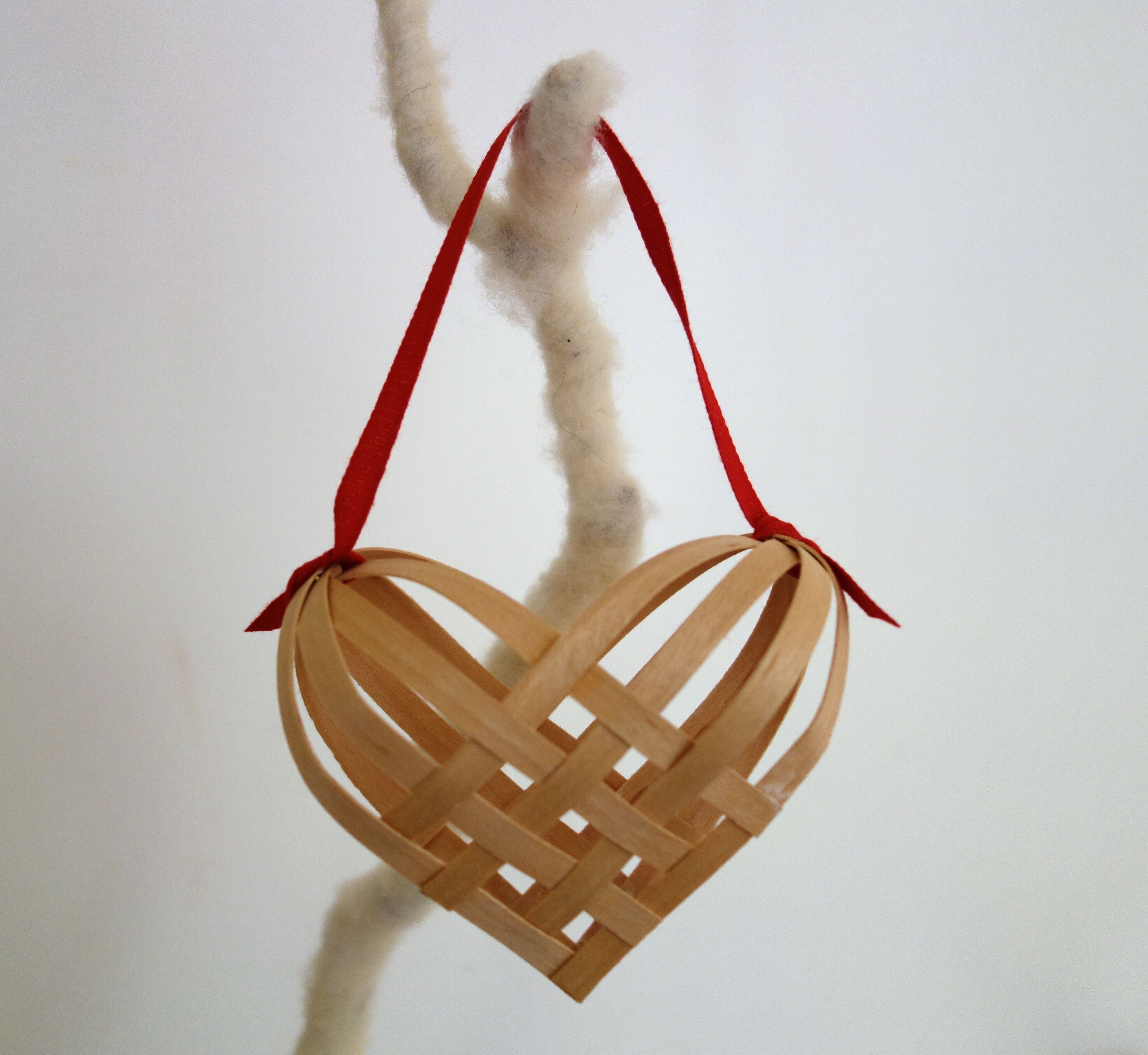 How To Weave A Cedar Basket : Diy projects crafts craft ornament and christmas