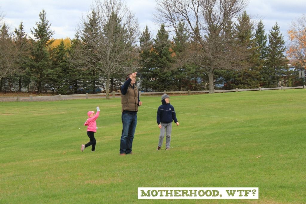 When Photos Lie by @motherhoodWTF | parenting challenges | honesty