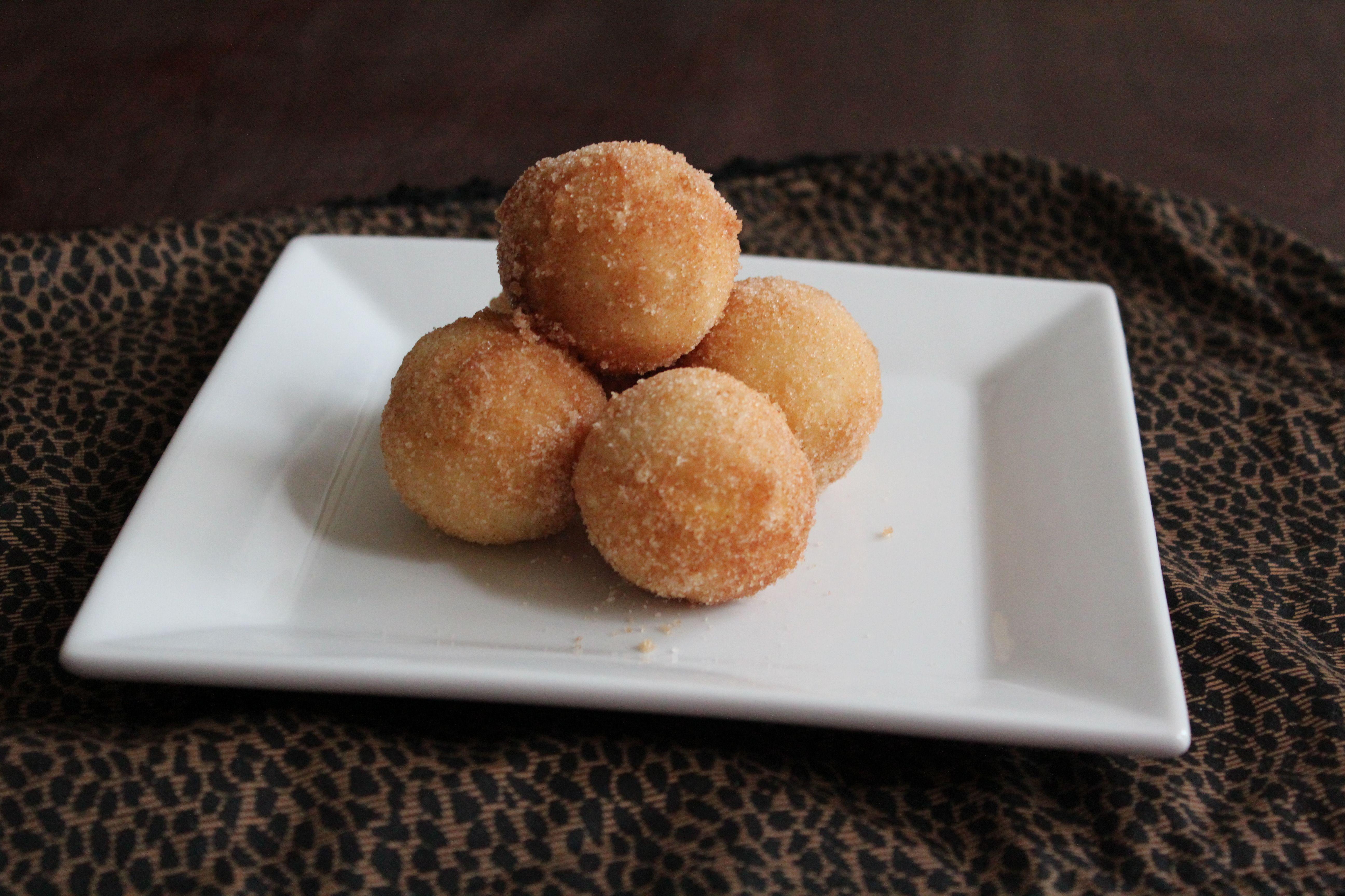 Baked cinnamon sugar donut holes