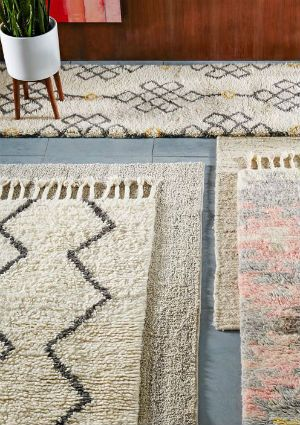 How To Clean A Wool Rug Cleaning Area Rugs Wool Area Rugs