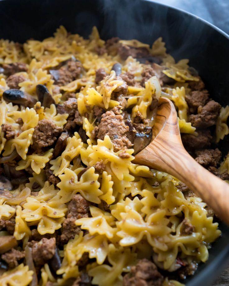 Hamburger stroganoff with pasta in 1 pan with zero prep - Easy family dinner recipe for the win! ~ http://www.halfhersize.com