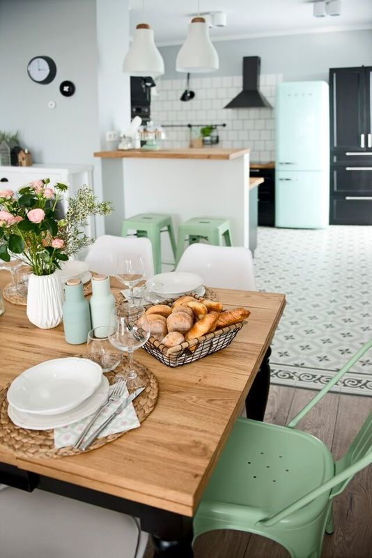 Blanco, gris y mint Farmhouse interior, Interiors and Kitchens