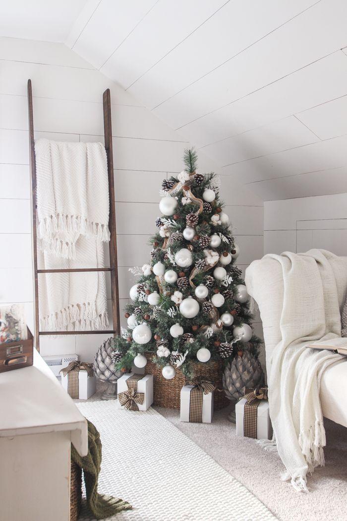 Simple Farmhouse Christmas Bedroom Farmhouse christmas